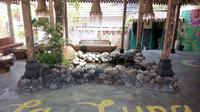 Yogyakarta kembali menawarkan tempat menginap yang unik. Salah satunya menawarkan tema gypsy di La Luna Resort Gypsy Yogyakarta Jalan Palagan Tentara pelajar km 8, Ngaglik Sleman