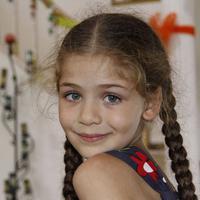 SCTV akan mendatangkan Isabella Damla Guvenilir, pemeran Elif ke Indonesia. Foto: via allaboutduniatv.blogspot.com