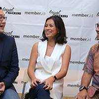 Tantra Tobing, Marianne Rumantir, dan Refki Riyantori dalam acara launching loyalhackers.com, Kamis (11/10) di restoran Blue Jasmine, Jakarta Selatan. (Foto: Fimela.com/Deki Prayoga)
