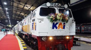 PT Kereta Api Indonesia (Persero) atau KAI meluncurkan Kereta Api Baturraden Ekspres relasi Purwokerto - Bandung PP via Cikampek di Stasiun Purwokerto, Jumat (25/6/2021).