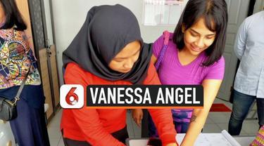 Artis Vanessa Angel mendapatkan asimilasi Covid-19. Ia keluar dari lapas pondok bambu hari Jumat (18/12) dan akan habiskan masa tahanan di rumah.