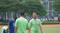 Pelatih Persib Miljan Radovic berniat mendtaangkan satu pemain lagi. (Huyogo Simbolon)