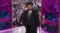 The Weeknd dalam Billboards Music Awards 2021. (NBC via AP)