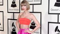 Taylor Swift (Mirror)