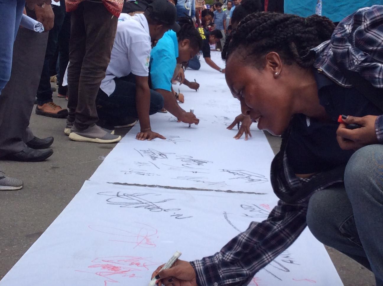 Deklarasi Anti Hoax Papua (Liputan6.com / Katharina Janur)
