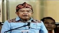 Wakil Presiden Jusuf Kalla tutup PON ke-XIX, Kamis tadi malam.