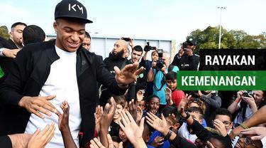 Berita video pemain timnas Prancis, Klylian Mbappe akhirnya menyempatkan untuk merayakan kemenangan Piala Dunia 2018 di kampung halamannya, Bondy.