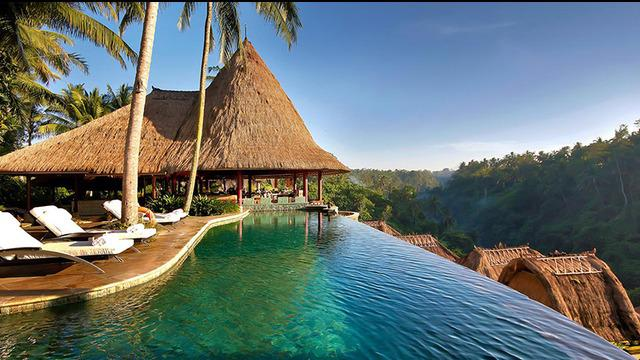 Banyak alasan untuk pergi ke pulau cantik ini. Tapi kira-kira apa saja alasan utama orang tertarik dengan pesona Bali?