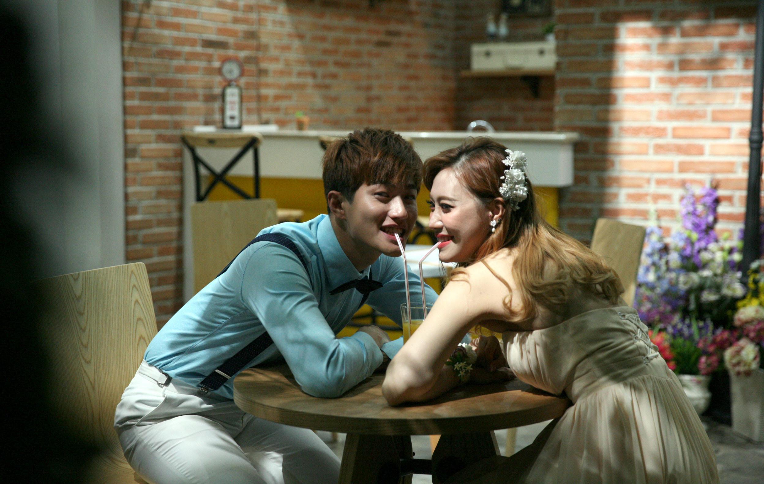 Photoshoot Prewed Lee Jeon Hoon & Moa (Nurwahyunan/bintang.com)