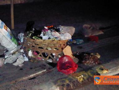 Citizen6, Legian: Sampah-sampah berserakan di sekitar trotoar Legian sehingga terlihat kumuh. Diharapkan pemerintah daerah Badung lebih perhatian terhadap masalah sampah ini. (Pengirim: Monica)