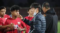 Pelatih Timnas Indonesia, Shin Tae-yong, mengaku akan terus melakukan evaluasi terhadap kinerja pemainnya meski berhasil meraih kemenangan 2-1 atas Tajikistan pada laga uji coba. (dok. PSSI)