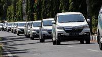 Uji kenyamanan dalam sesi test drive yang diselenggarakan oleh PT Astra Daihatsu Motor dengan rute Cirebon-Kuningan PP.