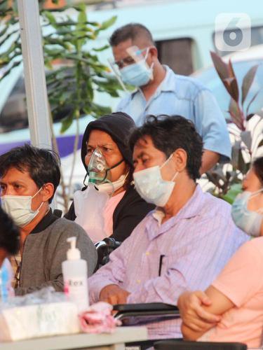 Tenda Darurat di RS dr Sintanala Dipenuhi Pasien COVID-19