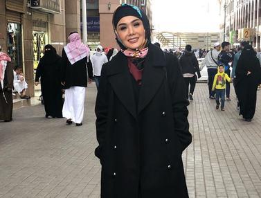 Gaya Yuni Shara Dalam Balutan Hijab