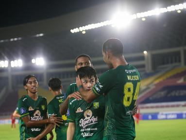 Taisei Marukawa buktikan ketajamannya dengan mencetak gol satu-satunya buat Persebaya Surabaya saat menghadapi Persija Jakarta di pekan kesembilan BRI Liga 1 2021/2022. (Bola.com/Bagaskara Lazuardi)
