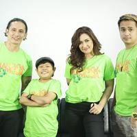 Media visit Film Mangga Muda di kantor KLY Gondangdia bersama para cast Nafa Urbach, Ajun Prawira. Selasa, 7/1/2020 (Bambang Eros/Fimela)