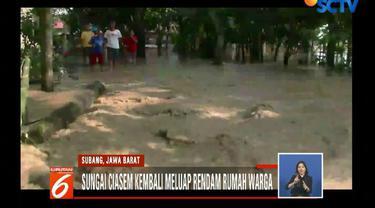 Tidak hanya di Subang, akses jalan nasional Ciamis menuju Cirebon pun terputus akibat tertutup timbunan longsor.