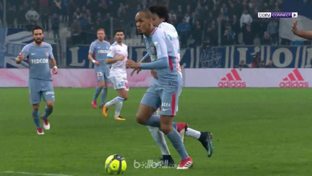 Berita video highlights Ligue 1 2017-2018, Marseille vs Monaco, dengan skor 2-2. This video presented by BallBall.