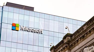 Papan Nama Microsoft di Sebuah Gedung