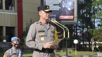 Wakapolda Sumut, Brigjen Pol Dadang Hartanto, memimpin apel pergeseran pasukan di Lapangan KS Tubun, Mapolda Sumut, Jalan Sisingamangaraja, Kota Medan