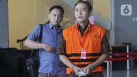 Mantan Presiden Direktur PT Lippo Cikarang Bartholomeus Toto usai menandatangani berkas perpanjangan penahanan untuk 40 hari ke depan di Gedung KPK, Jakarta, Jumat (6/11/2019). Toto merupakan tersangka dalam kasus dugaan suap perizinan proyek pembangunan Meikarta di Bekasi. (merdeka.com/Dwi Narwoko)