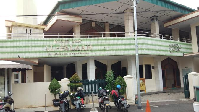 Masjid Alfalah di Jalan Bendungan Hilir, Jakarta. (Liputan6.com/Ady Anugrahadi)