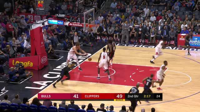 Berita video game recap NBA 2017-2018 antara LA Clippers melawan Chicago Bulls dengan skor 113-103.