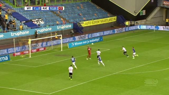 Lewis Baker pemain pinjaman dari Chelsea cetak gol saat Vitesse menundukkan Roda JC dengan skor 3-0 di laga lanjutan Eredivisie.