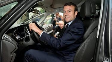 Emmanuel Macron dan Renault Espace