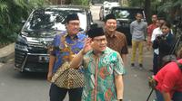 Ketua Umum PKB Muhaimin Iskandar yang kerap disapa Cak Imin menyambangi kediaman Ma'ruf Amin, Jumat (5/7/2019). (Liputan6.com/ Putu Merta Surya Putra)