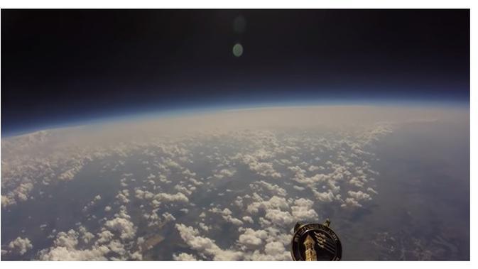 Pemandangan dari luar angkasa (Sumber: Siakapkeli.my)
