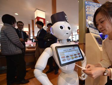 Robot Pepper Siap Melayani Pelanggan Restoran Sushi di Jepang