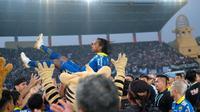 Perpisahan Hariono dengan Persib di Stadion Si Jalak Harupat, Kabupaten Bandung, Minggu (22/12/2019). (Bola.com/Abdi Satria).
