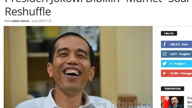Cek Fakta Liputan6.com menelusuri klaim foto Jokowi memegang kartu kabur saat demo