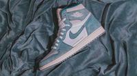 Air Jordan 1 menjadi incaran kolektor sneakers di seluruh dunia, bahkan ada yang mengoleksi lebih dari 100 pasang. (Unsplash/who?du!nelson)