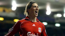 Fernando Torres - Liverpool melepas Torres ke Chelsea dengan nilai transfer 58,5 juta euro pada 2011. (AFP/Andrew Yates)