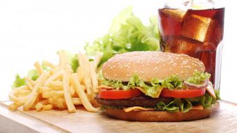 Terlihat Sehat, 4 Makanan Ini Ternyata Berbahaya Bagi Anak