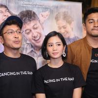 Preskon film Dancing In the Rain (Nurwahyunan/bintang.com)