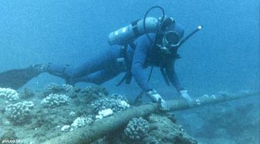 kabel-bawah-laut-121127a.jpg
