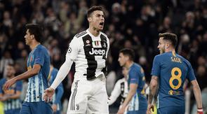 3. Jumlah gol dalam 1 leg. Cristiano Ronaldo hanya mampu mencetak 3 gol dalam 1 leg, yaitu leg kedua saat Juventus melawan Atletico Madrid di Juventus Stadium (12/3/2019). (AFP/Filippo Monteforte)