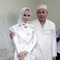 Angel Lelga dan Vicky Prasetyo (Nurwahyunan/Bintang.com)