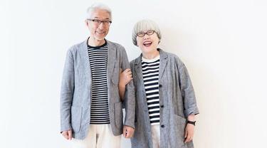 7 Potret Kakek Nenek Selalu Pakai Baju Couple Selama 69 Tahun, Stylish Banget