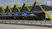 Suasana Rest Area 538 tol Sragen-Ngawi di kilometer 538 jalan tol Solo-Ngawi, Jawa Tengah, Rabu (28/11). Tampak beberapa makanan khas daerah setempat atau makanan tradisional yang disajikan. (Liputan6.com/Angga Yuniar)