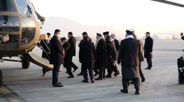 Jusuf Kalla beserta rombongan tiba di Afganistan dan dijemput helikopter militer. (Istimewa)
