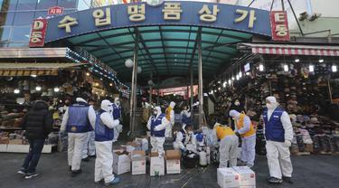 Cegah Virus Corona, Pasar Namdaemun di Seoul Disemprot Disinfektan