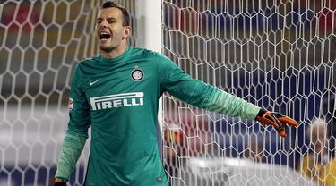Penyelamatan Gemilang Samir Handanovic Kiper Inter Milan