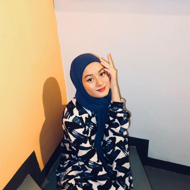 Tutorial 1 Hijab Pashmina 5 Gaya Ala Dinda Hauw Fashion Fimela Com