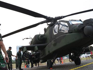 Melihat dari Dekat Helikopter Apache TNI