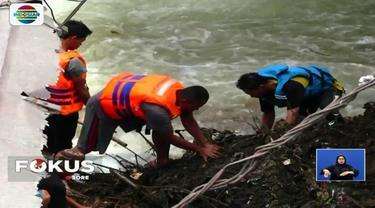 Hanyutnya korban Rifai, pada 21 Februari 2018 lalu berawal saat dia tengah bermain di sungai dengan enam rekannya saat arus tenang.  Tiba-tiba banjir bandang datang dan langsung menyeret korban.