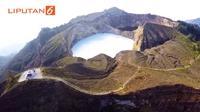Danau Kelimutu merupakan danau vulkanik tiga warna yang terbentuk akibat letusan Gunung Kelimutu di Kabupaten Ende, Nusa Tenggara Timur.